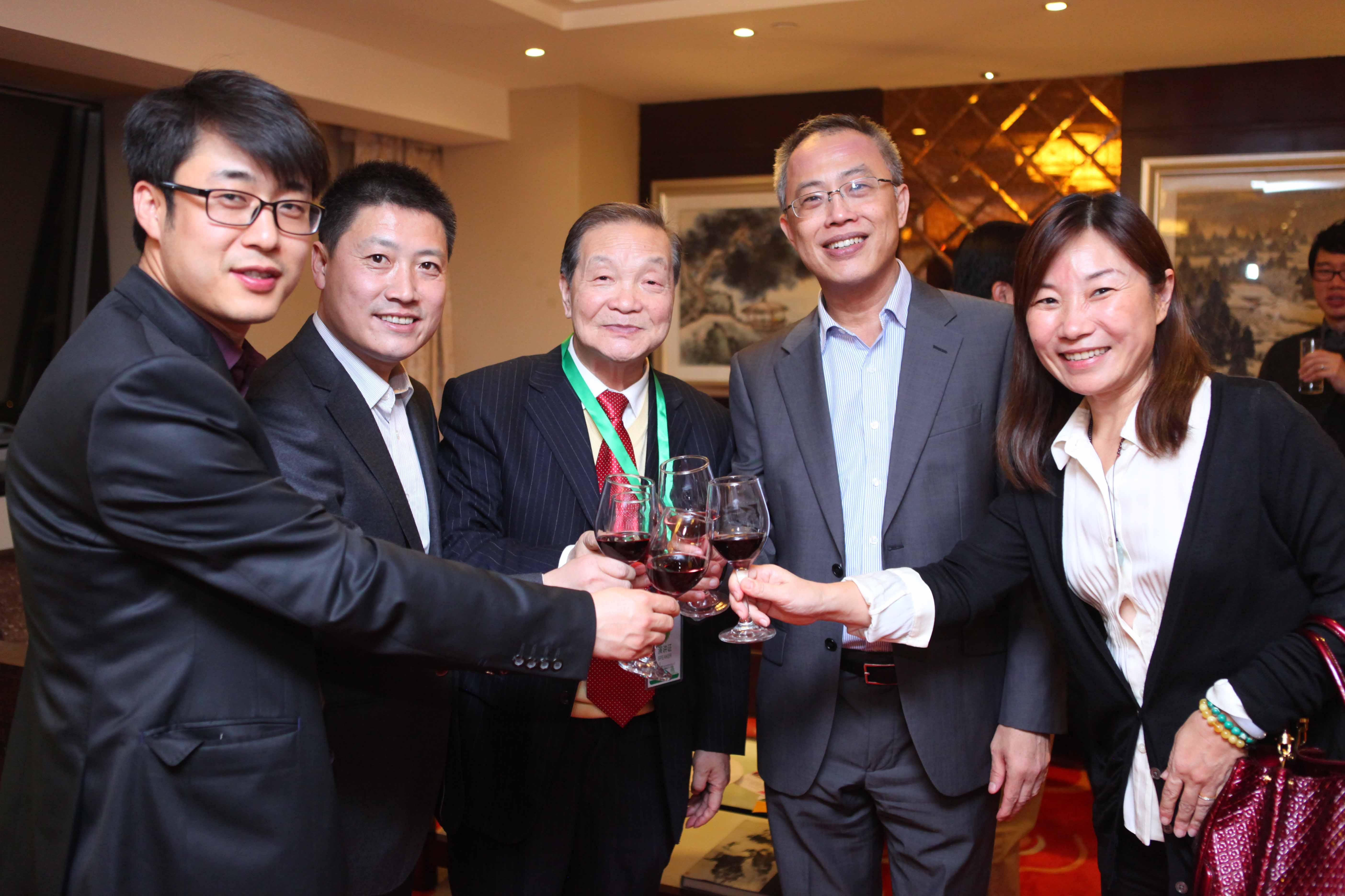 新加坡建设局副局长出席ope手机版建恒签约交流晚宴